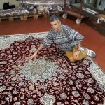 ...questo è il risultato del nostro restauro per far tornare il tappeto al suo originario splendore