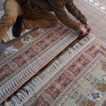 Lavoro di Ricostruzione della frangia di un tappeto